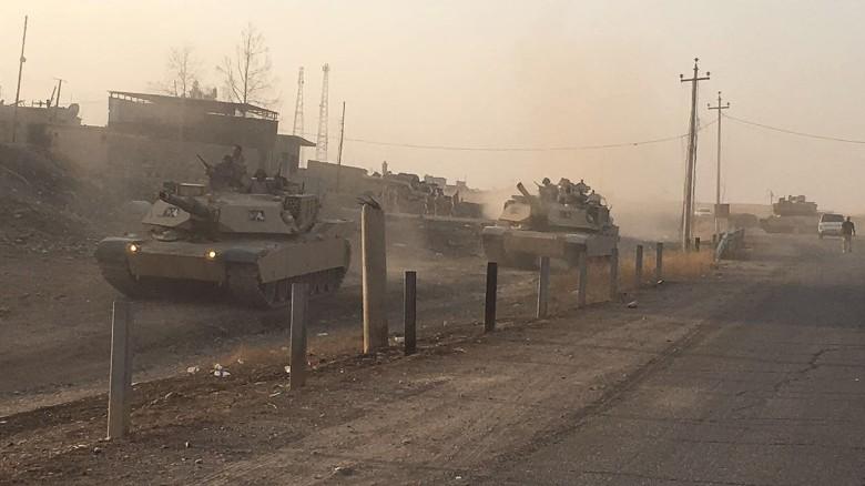161018154930-mosul-tanks-exlarge-169